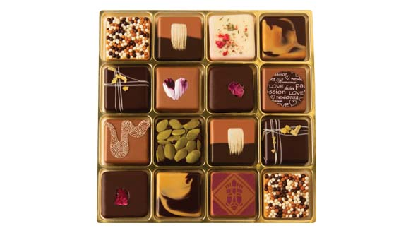 32 pc. Connoisseur - 2 Layers Popular Assortment