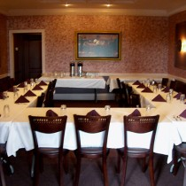<h4>Party Room</h4> Larger bridal and baby showers, birthday and anniversary parties and business meetings for up to 36 adults.