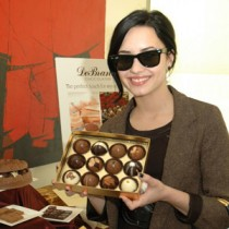 <h4>Demi Lovato</h4>Demi Lovato with the Truffle Collection.